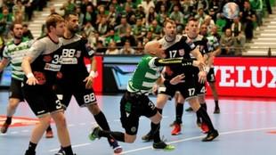 El extremo serbio Ivan Nikcevic, durante un partido de la Champions...