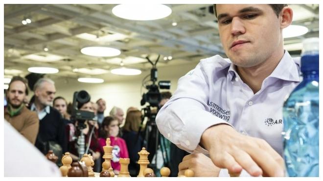 Magnus Carlsen, con blancas en una partida anterior.