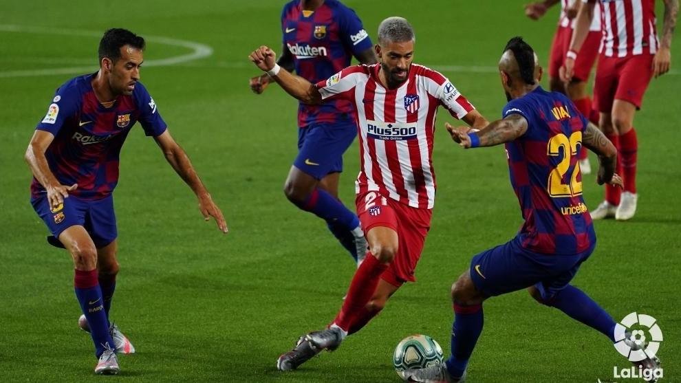 Carrasco, en el duelo ante el Barça en el Camp Nou.