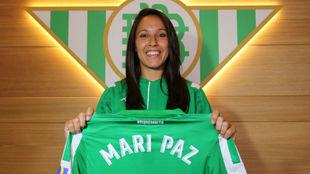 La delantera gallega firma por el Real Betis Féminas hasta 2022