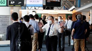 La medida del Gobierno Japonés se agudiza a casi un año para los...