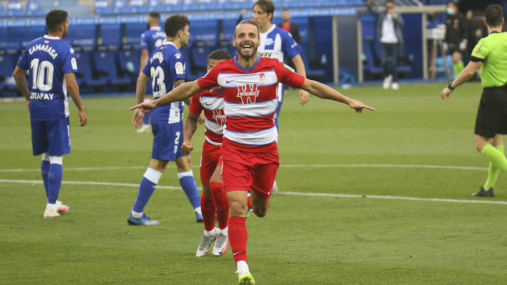 Granada move on up at Mendizorroza