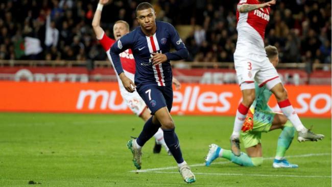 Kylian Mbappé anota en un partido de liga ante su ex equipo, el...
