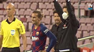 El gestito de Simeone al ver los minutos de la basura para Griezmann