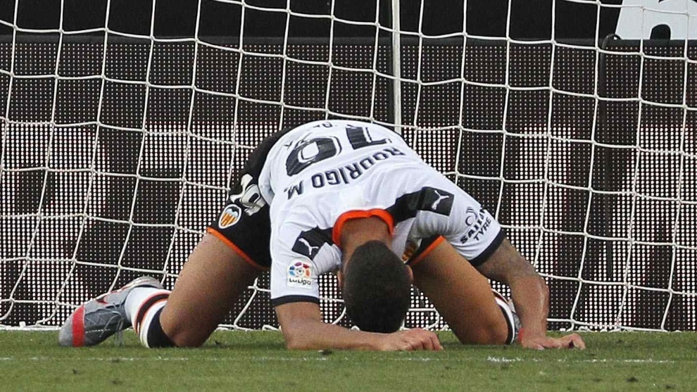 Knee injury rules Rodrigo Moreno out for the rest of the season