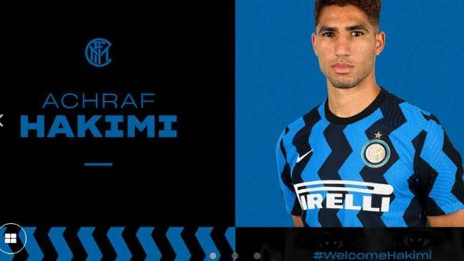 Achraf posa como nuevo jugador del Inter en la web del club italiano