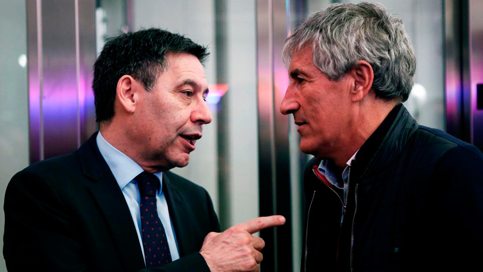 Quique Setién y Josep Maria Bartomeu.