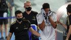 Varane se retira por un golpe