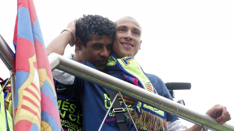 Larsson junto a Rijkaard en la celebración de la Champions de 2006.