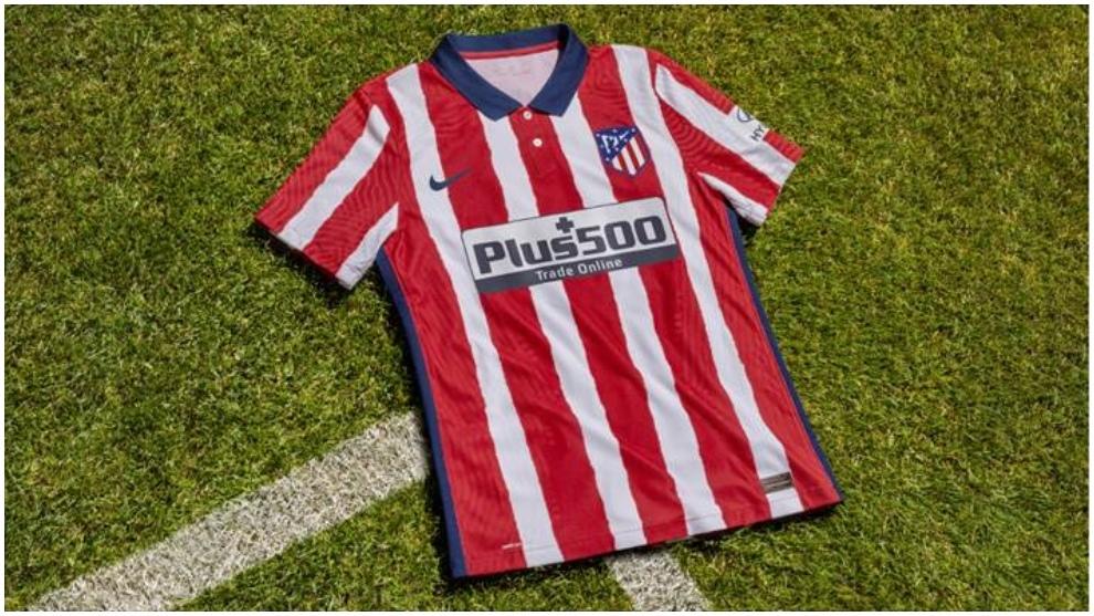 La primera equipacion oficial del Atletico de Madrid recupera el...