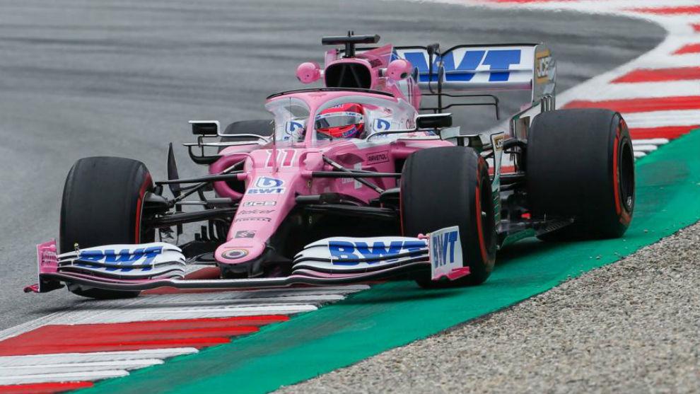 Hamilton primero y Checo Pérez tras los Mercedes