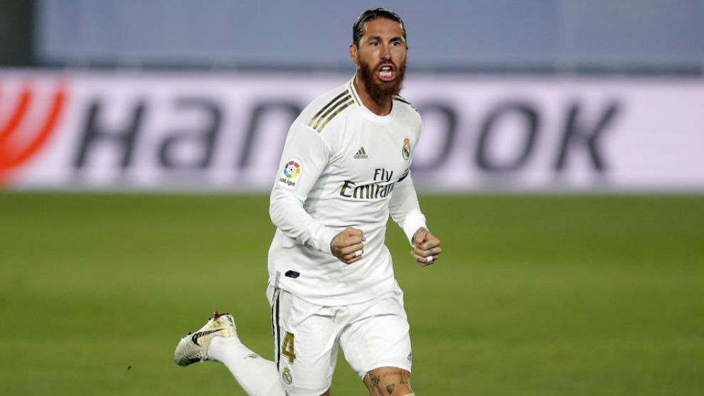 Should Real Madrid offer Sergio Ramos a one or two year contract?
