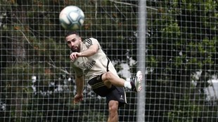 Dani Carvajal, en un entrenamiento del Madrid en Valdebebas