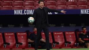 Simeone, durante el partido.