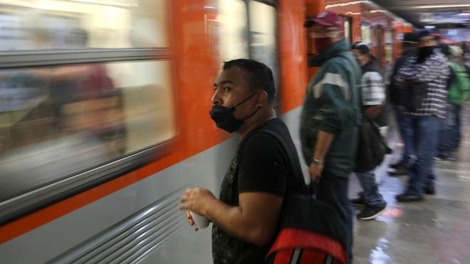¿Qué reglas deben seguir para poder viajar en el metro de la Ciudad...