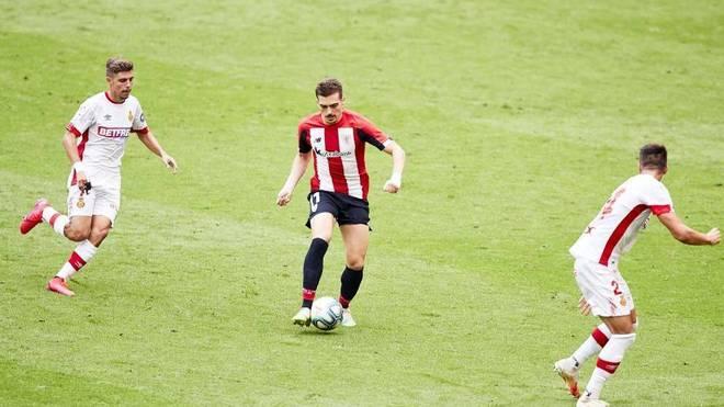 Córdoba, con el control del balón.