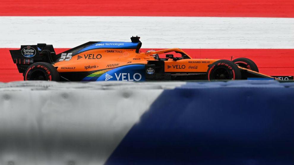 Carlos Sainz. con el McLaren MCL35, durante el Gran Premio de Austria...
