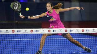 Gemma Triay, durante el partido de semifinales del Estrella Damm Open.