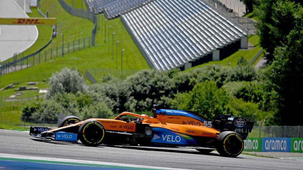 El McLaren de Carlos Sainz, rodando en el Red Bull Ring.