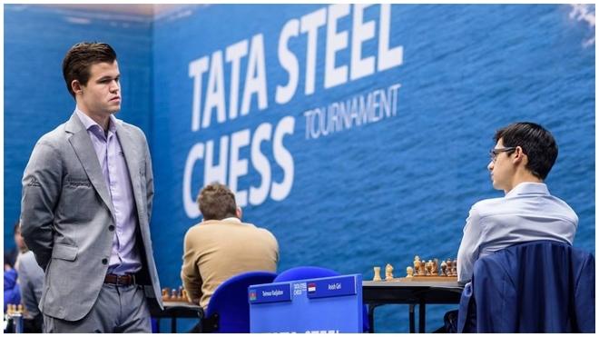Magnus Carlsen y Anish Giri, en el Torneo Tata Steel.