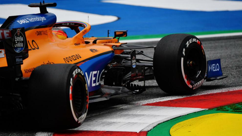 Carlos Sainz, con el MCL35, durante el Gran Premio de Austria.
