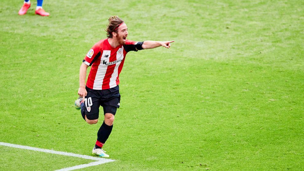 Muniain festeja el gol que consiguió ante el Atlético, el primero...