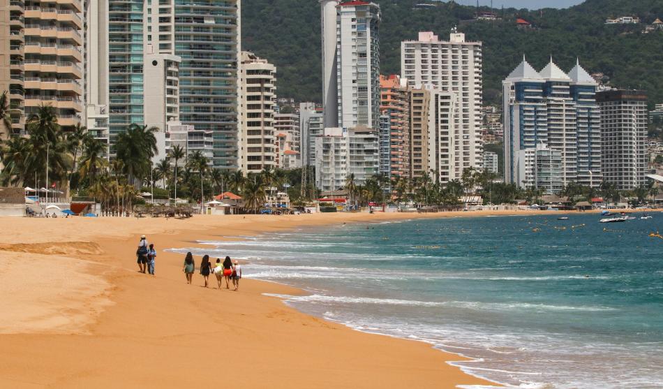 Acapulco reabre sus playas y hoteles: horarios, medidas sanitarias y todo  lo que debes saber   MARCA Claro México