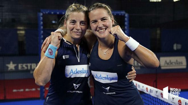 Alejandra Salazar y Ariana Sánchez celebran su victoria en el...