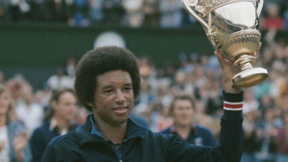 Arthur Ashe hizo historia hace 45 años en la hierba de Wimbledon: primer...