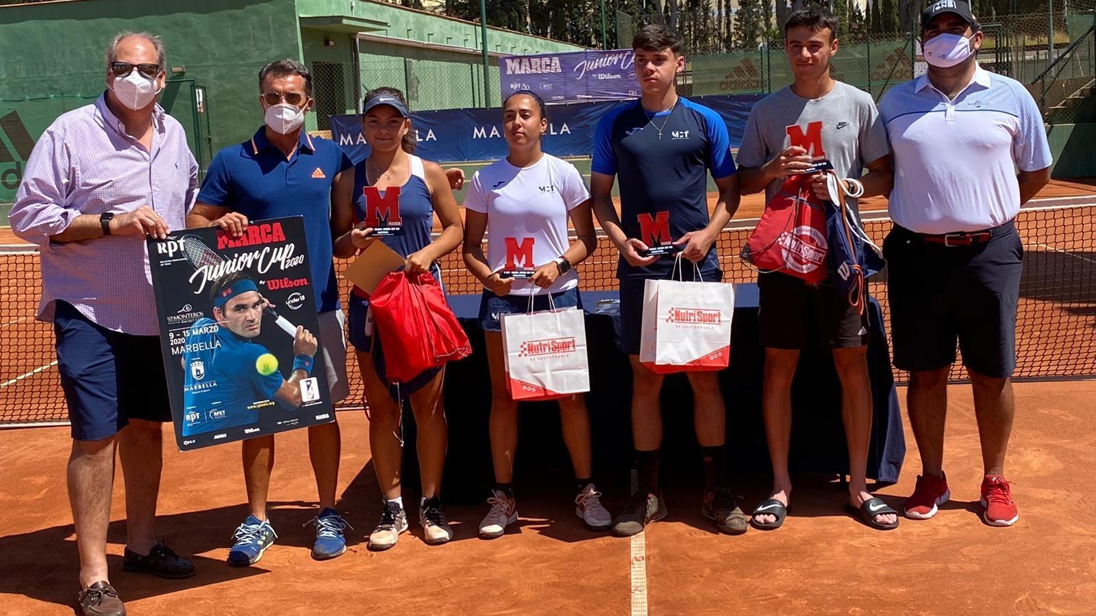 Campeones y finalistas junto a Luis Mediero, Mane Muñiz y Manuel...