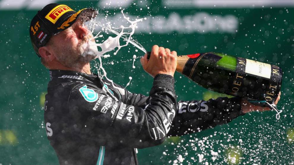 Bottas es el primer líder tras una carrera demencial, Norris podio y Sainz...