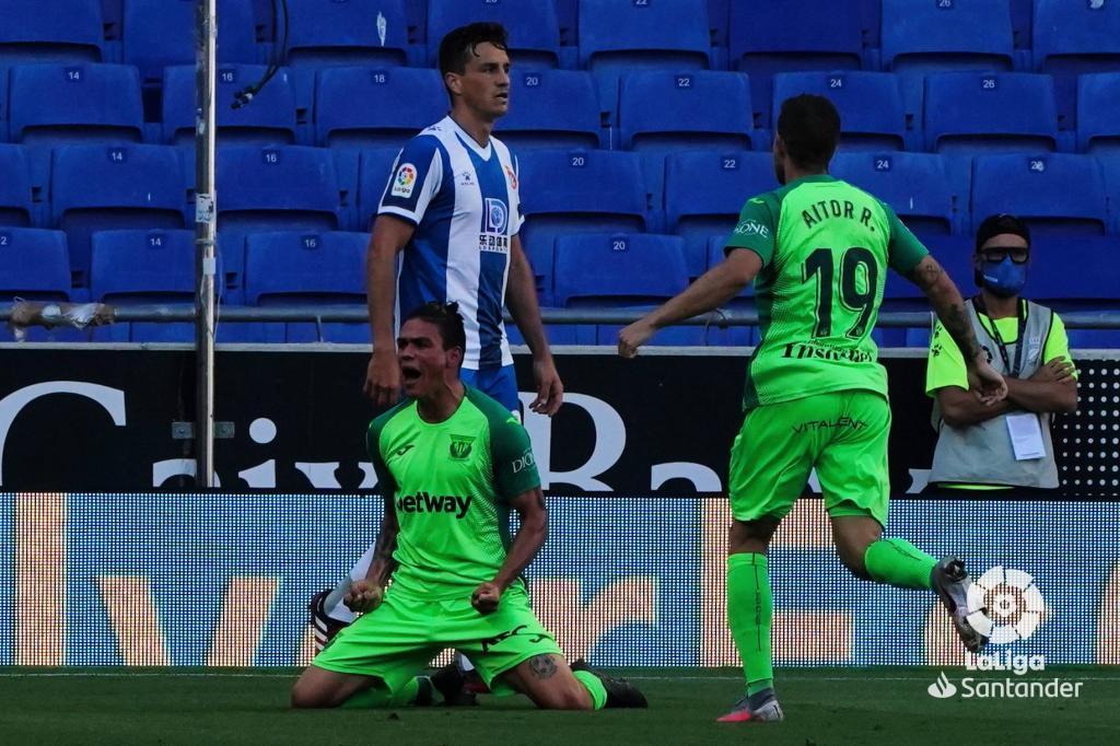 Silva celebra el gol que ha anotado al Espanyol.