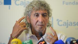 Mágico González durante una rueda de prensa