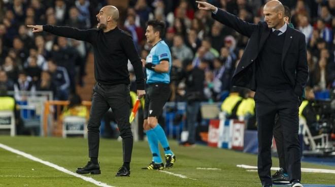Zinedine Zidane y Pep Guardiola, durante el partido de ida disputado...