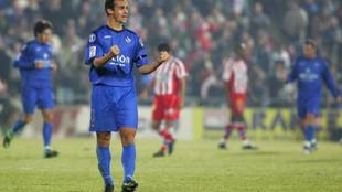 Mariano Pernía celebra un gol ante el Atlético en el Coliseum