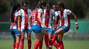Chivas en el último partido del Clausura 2020.