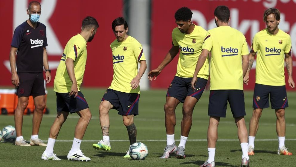 Barcelona squad list: Four players missing for Espanyol match