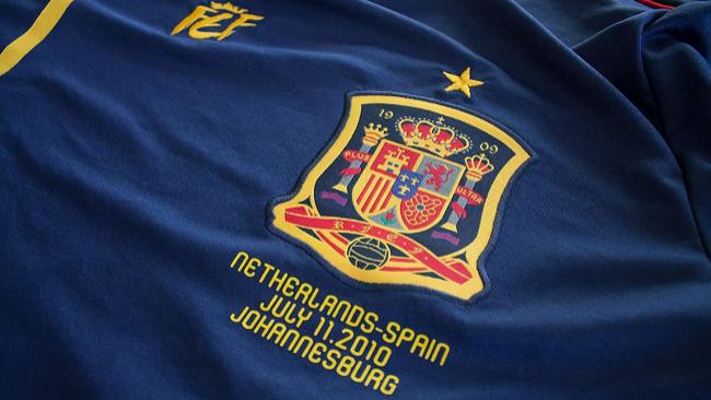 Exclusiva, numerada y con el número 10: así es la camiseta conmemorativa del triunfo de España en el Mundial de Sudáfrica