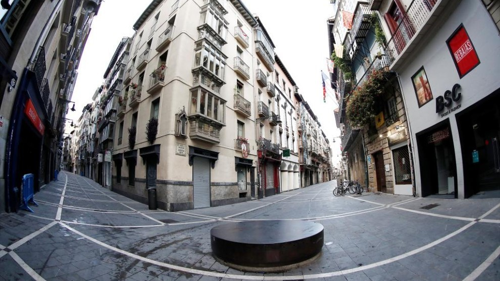 Las calles de Pamplona vacías un 7 de julio.