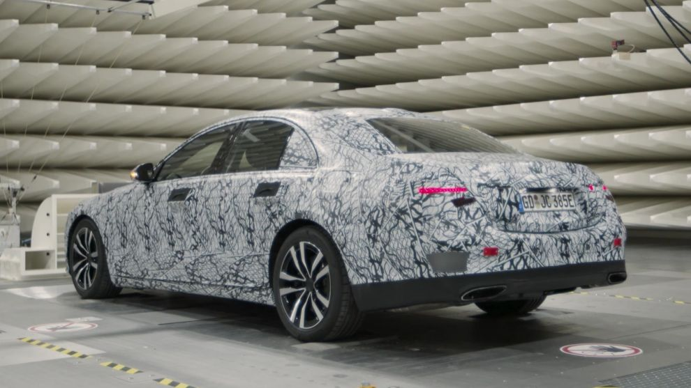 Mercedes Clase S 2021: pantalla gigante tipo Tesla y 100 kilómetros de autonomía híbrida