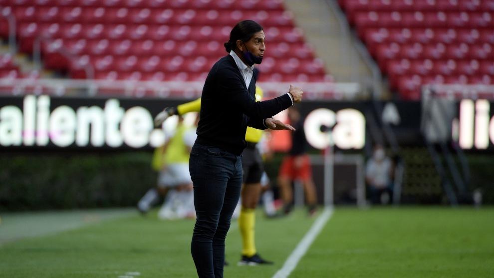Juan Francisco Palencia durante el partido ante Atlas.