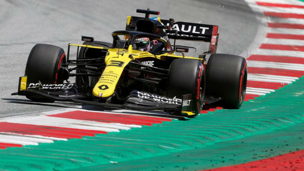 Daniel Ricciardo, con el Renault RS20, durante el pasado Gran Premio...