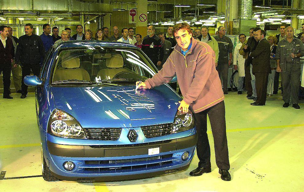 Alonso, en la fábrica de Renault en Valladolid.
