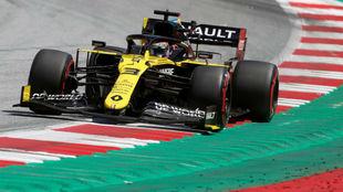 Daniel Ricciarso, con el Renault RS20, durante el pasado Gran Premio...