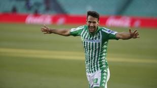 Alfonso Pedraza celebra el segundo gol del partido ante el Osasuna.