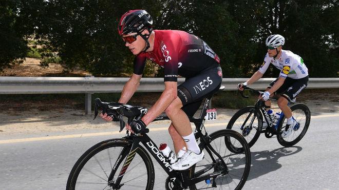 Chris Froome durante una carrera con Ineos