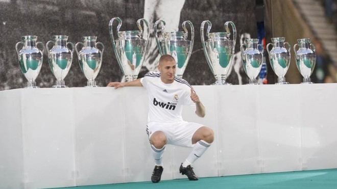 Benzema celebrates 11 years at Real Madrid with a video