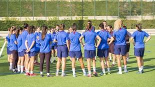 Las jugadoras del Barcelona durante un entrenamiento en la Ciudad...