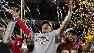 Patrick Mahomes celebra su victoria con los Chiefs en el Super Bowl.