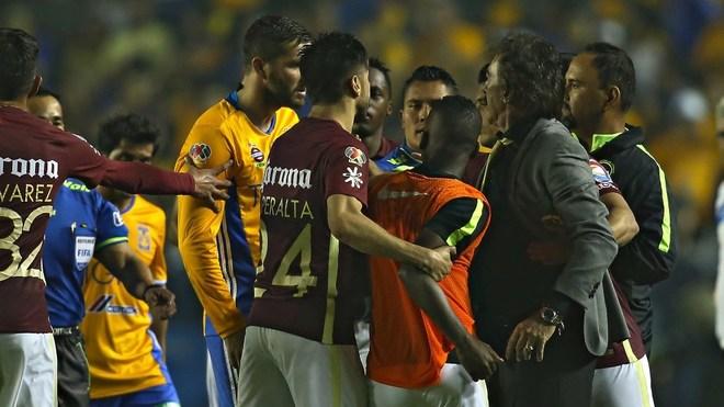 En la final del Apertura 2016 entre los Tigres y el América en el...